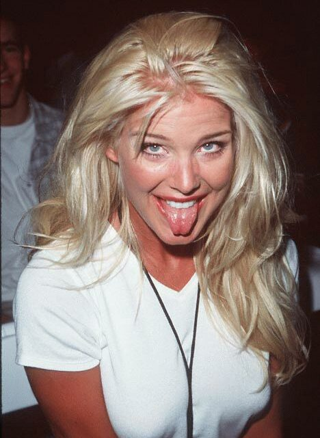Victoria Silvsted Tongue