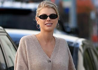 Charlotte McKinney is Smart